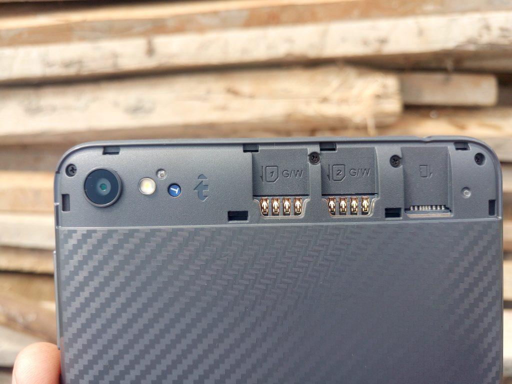 tecno-droidpad-7d-sim-card-slots